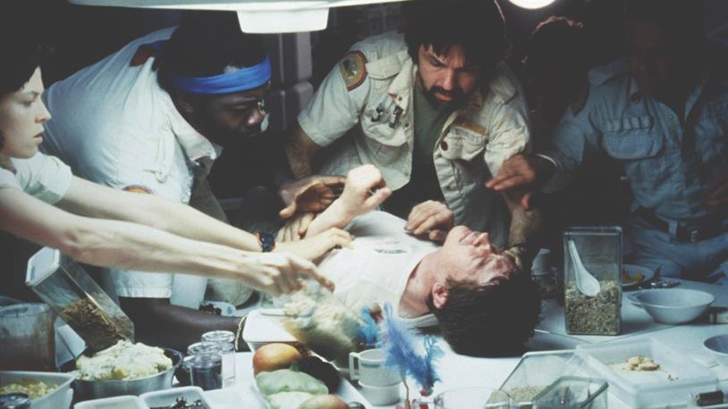 Il membro dell'equipaggio Kane è interpretato da John Hurt