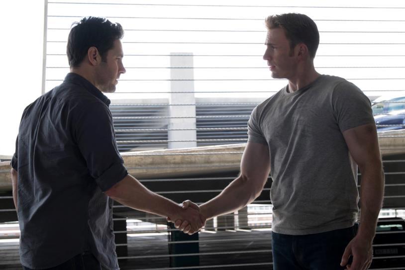 Scott Lang e Steve Rogers in Captain America: Civil War