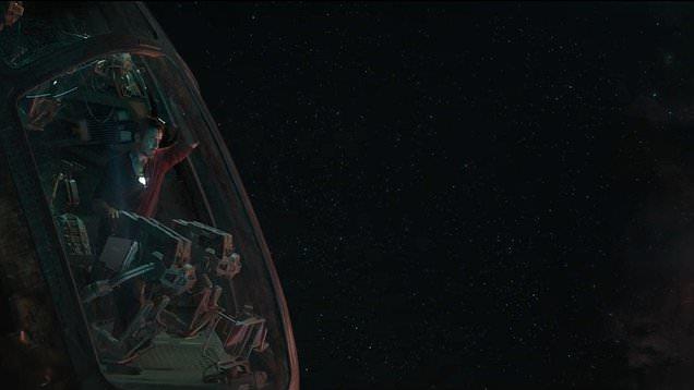 Tony Stark nello spazio in un'immagine dal trailer di Avengers: Endgame
