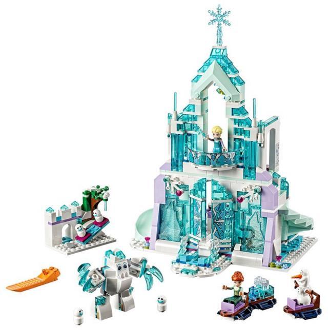 Il contenuto del set di LEGO Il magico castello di ghiaccio di Elsa