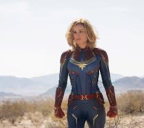 Captain Marvel, l'immagine dal film con il numero della hot-line