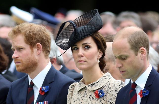 Il Principe Harry in compagnia di Kate Middleton e del fratello William