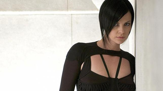 Charlize Theron nei panni di Aeon Flux nel film del 2005