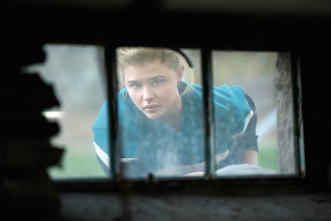 Chloë Grace Moretz in una scena del film