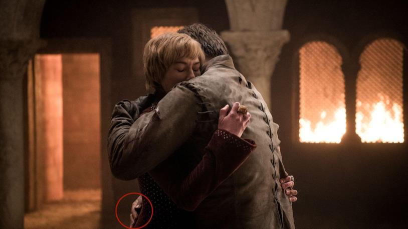 La vera mano di Jaime riappare per errore