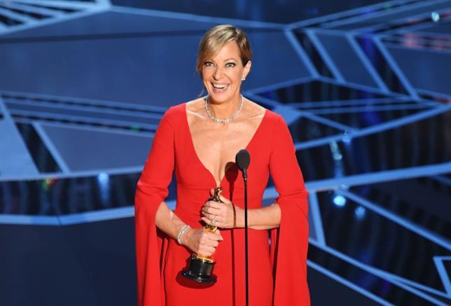 Allison Janney con l'Oscar