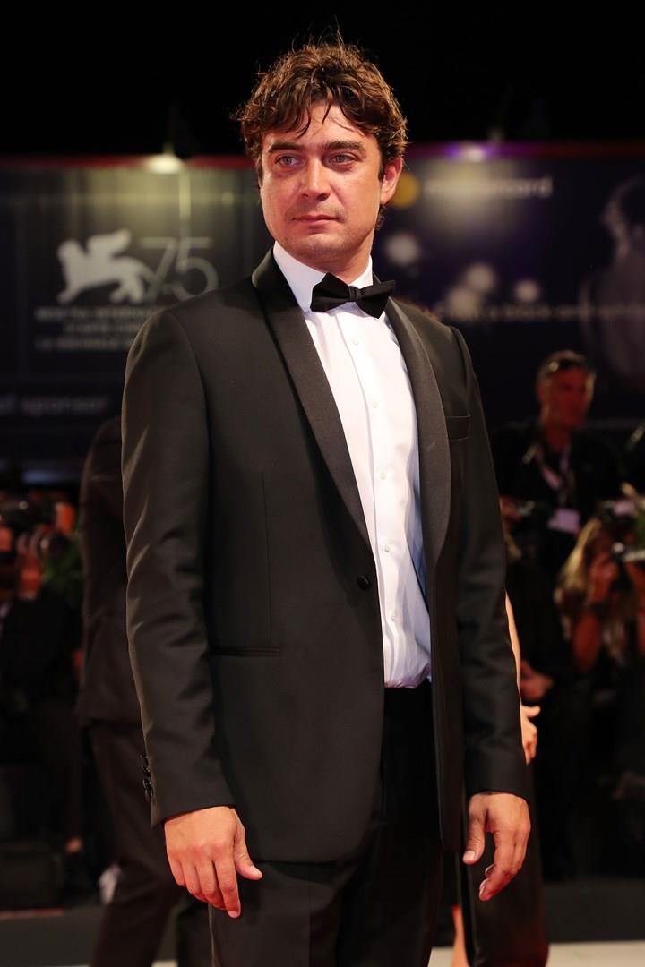 Riccardo Scamarcio sul red carpet