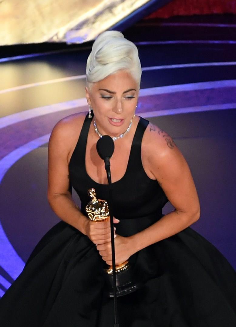 Lady Gaga sul palco degli Oscar 2019