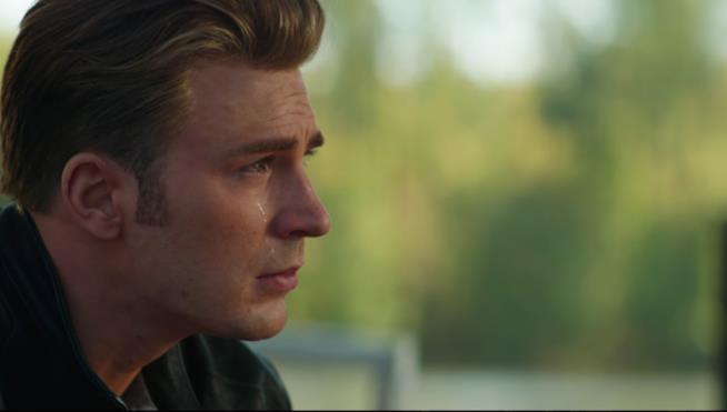 Un primo piano di Chris Evans come Steve Rogers nel trailer di Avengers: Endgame
