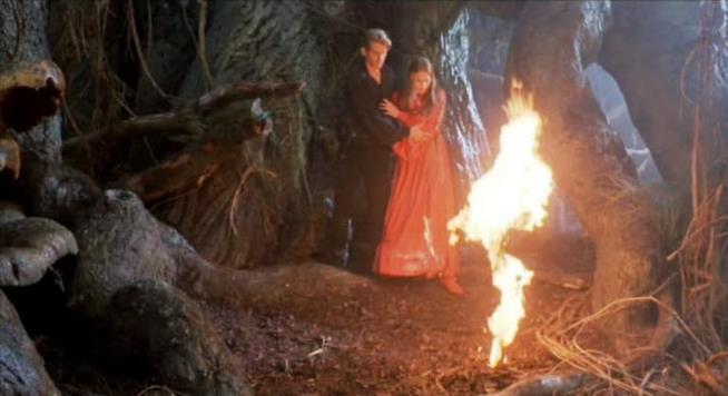 Il vestito prende fuoco ne La Storia Fantastica