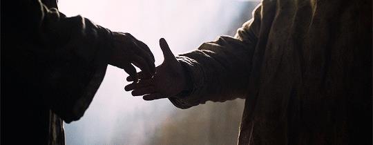 Jorah stringe la mano a Sam
