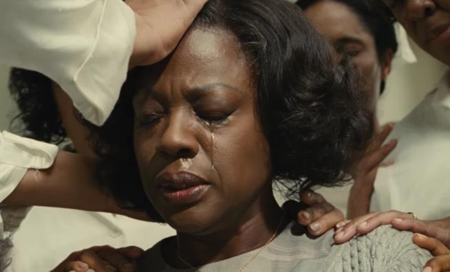 Un'espressione emblematica di Viola Davis in Barriere