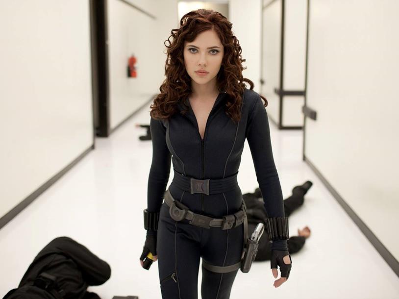 Scarlett Johansson vestita come Vedova Nera
