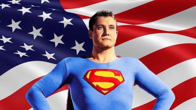 Mezzobusto di George Reeves in costume da Superman, con bandiera americana sullo sfondo