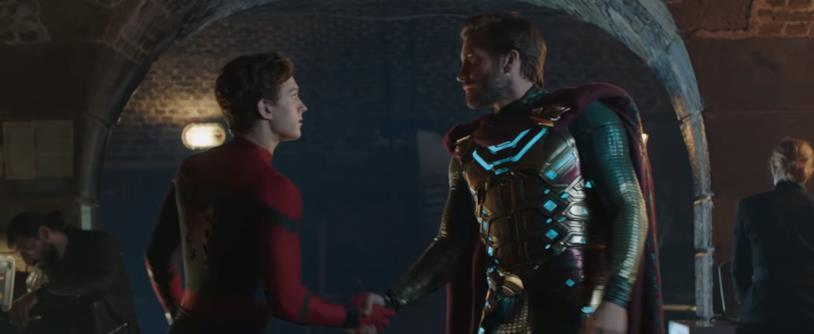 La stretta di mano tra Peter Parker e Quentin Beck nel secondo trailer di Spider-Man: Far From Home