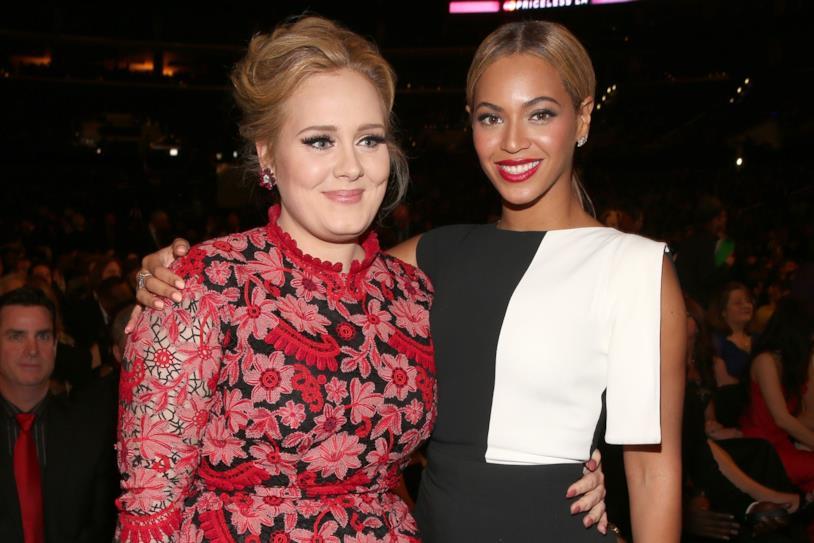 Primo piano di Adele e Beyoncé
