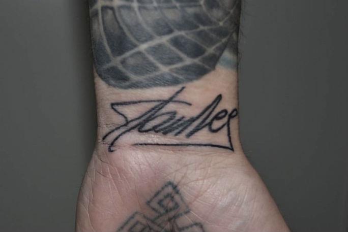 L'autografo di Stan Lee tatuato sul polso di Rick Scolamiero