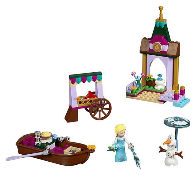 Il contenuto del set Avventura al mercato di Elsa di LEGO