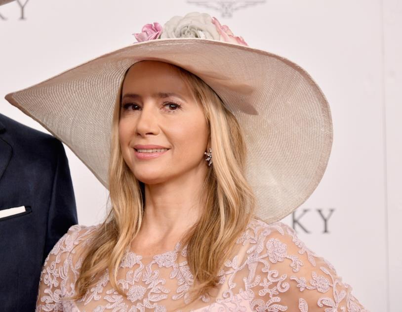 Mira Sorvino: l'attrice Premio Oscar ospite della stagione 10 di Modern Family