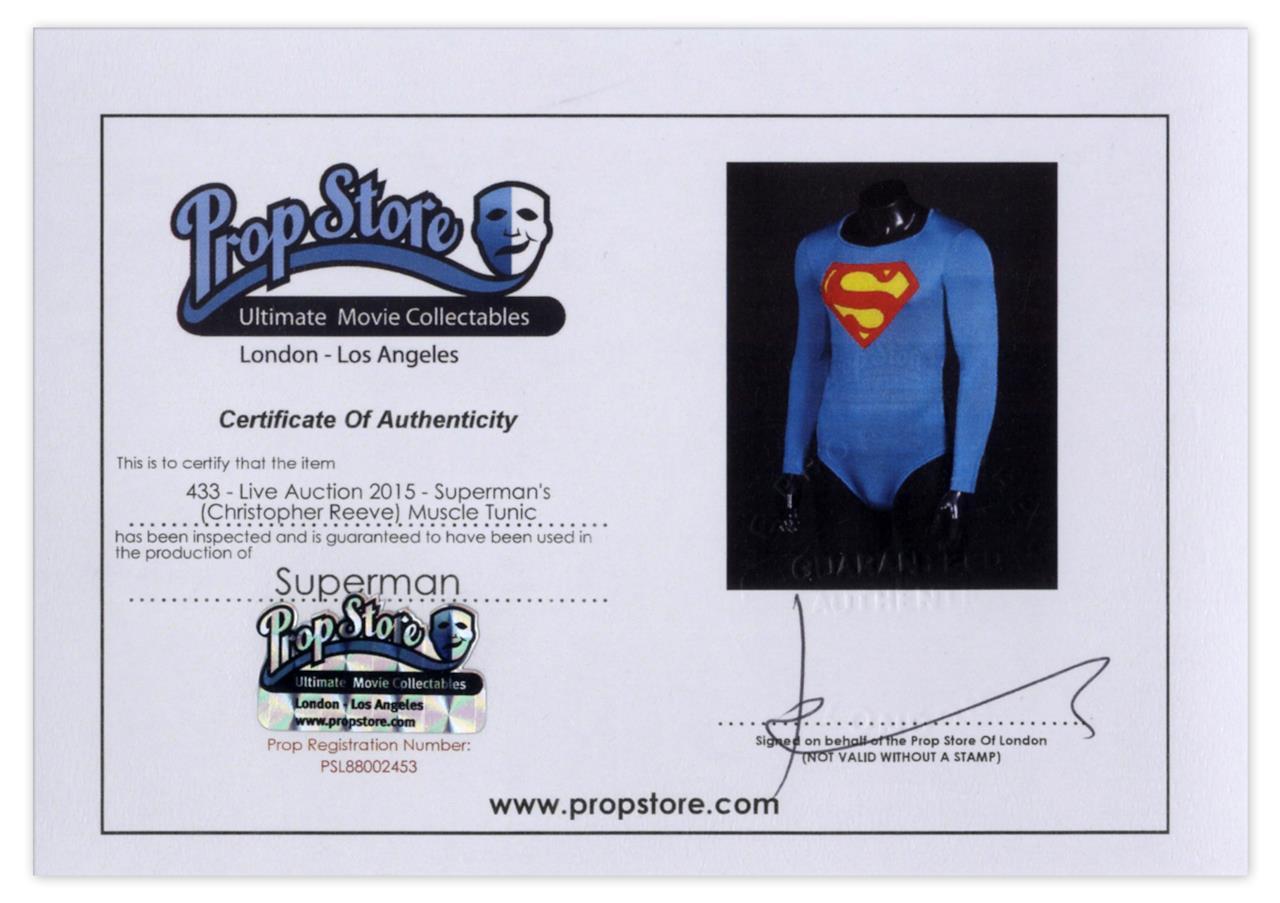 L'attestato di originalità del costume di Superman indossato da Christopher Reeve