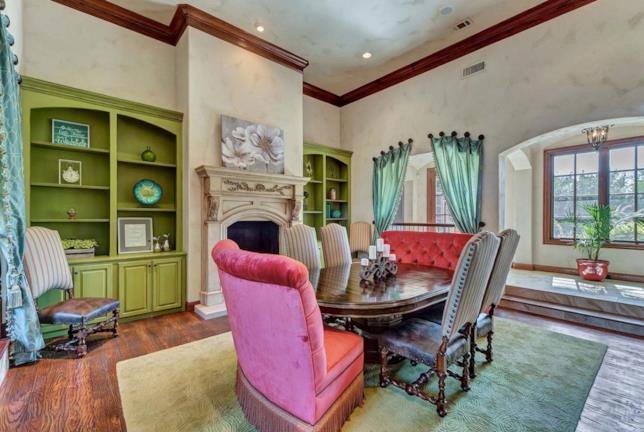 Una delle stanze della villa di Selena