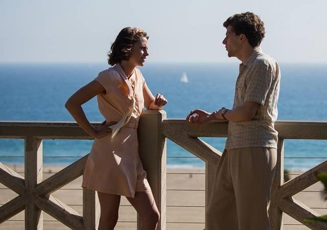 Foto dal film Café Society con Kristen Stewart e Jesse Eisenberg