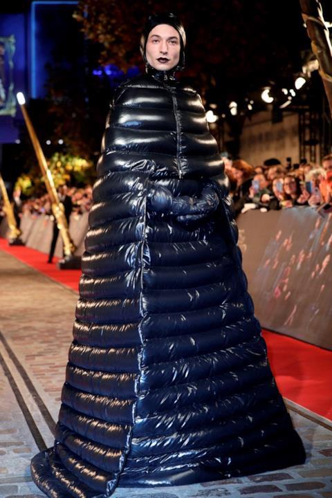 Animali fantastici - I crimini di Grindelwald, Ezra Miller sul red carpet a Parigi