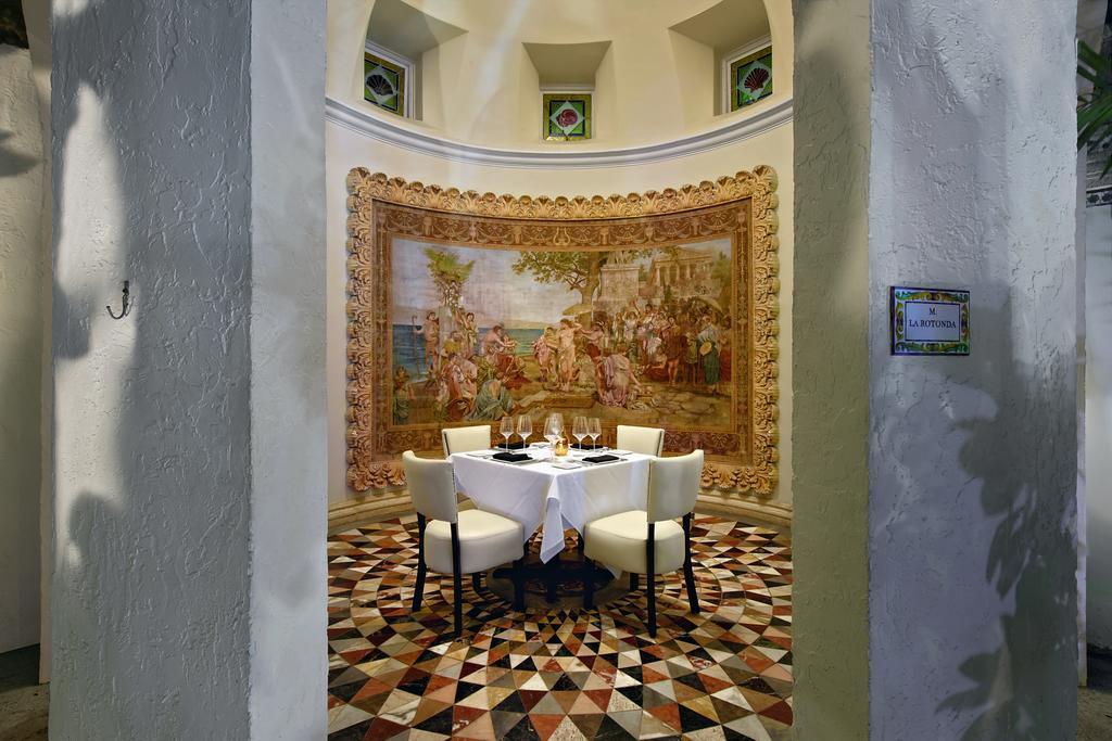 Uno scorcio del ristorante di Villa Casuarina