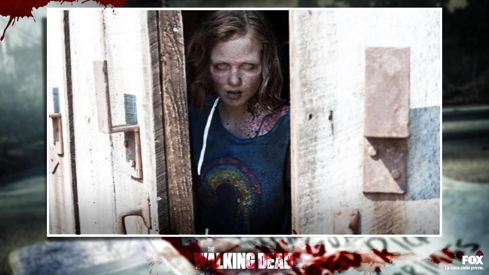 SOPHIA (S2.E?): morta dopo essersi separata dal gruppo, nell'episodio 2x7 esce dal fienile di Hershel e viene finita da Rick.