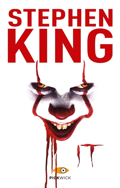 La copertina di IT con la faccia insanguinata del pagliaccio