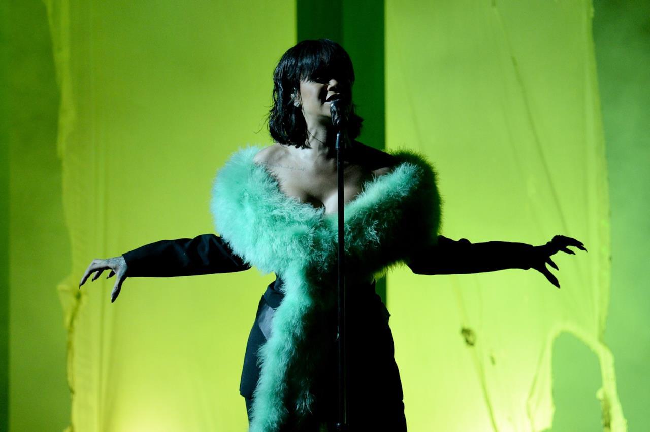 Esibizione di Rihanna ai Billboards Music Awards 2016.