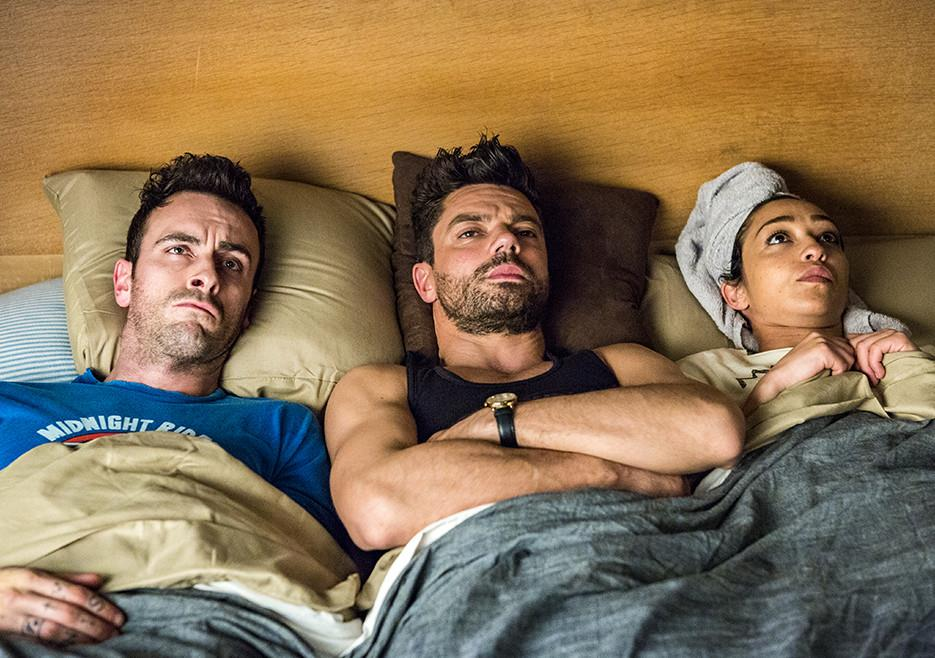 Cassidy, Jesse e Tulip a letto in Preacher 2