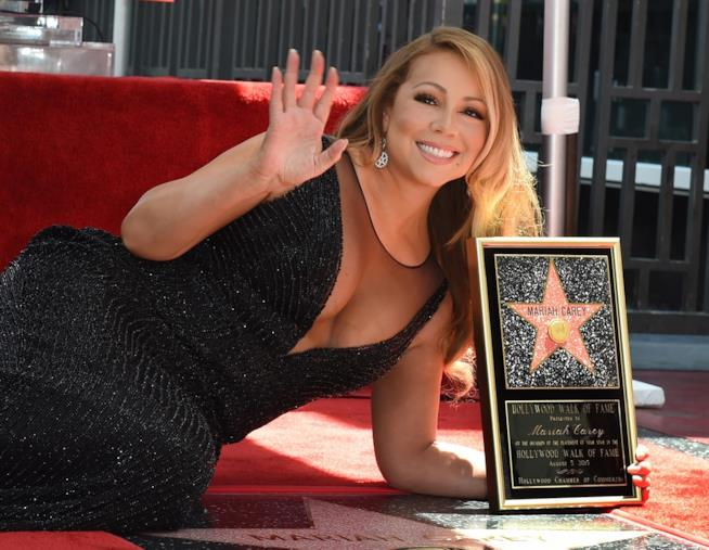Primo piano di Mariah Carey sulla Walk of Fame