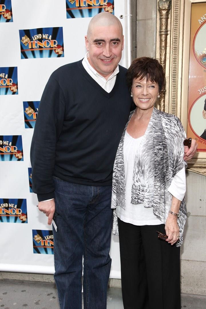 Una foto di Alfred Molina e la moglie Jill Gascoine insieme a Broadway