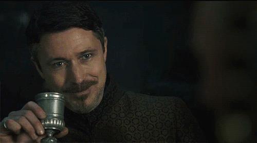GIf di Petyr Baelish in Game of Thrones