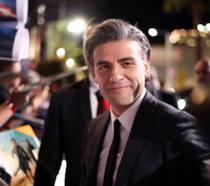 Oscar Isaac sul red carpet della premiere di Star Wars 9