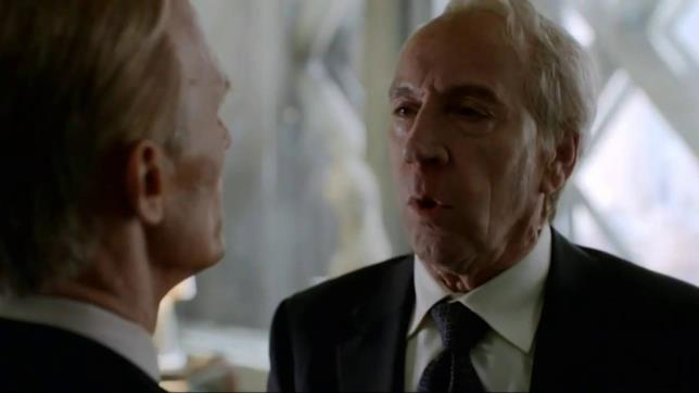 Eldritch Palmer è interpretato dall'attore Jonathan Hyde