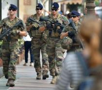Un gruppo di militari francesi al Festival del cinema americano di Deauville