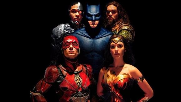 Batman, Wonder Woman, Flash, Cyborg e Aquaman dal film Justice League