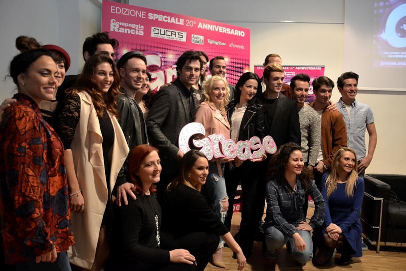 Il cast del musical Grease in conferenza stampa