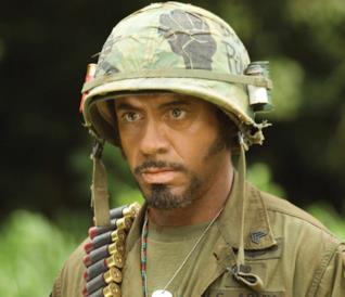 Un'immagine di Robert Downey Jr. in Tropic Thunder