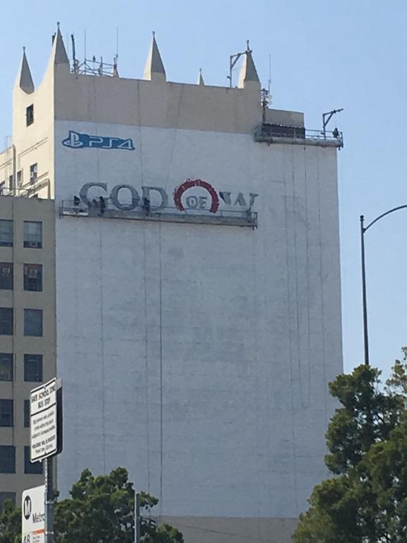 Los Angeles accoglie un enorme cartellone di God of War