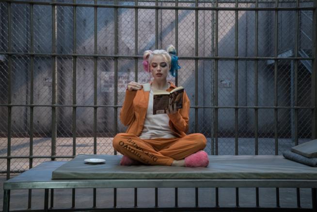 Pausa caffè per Harley Quinn