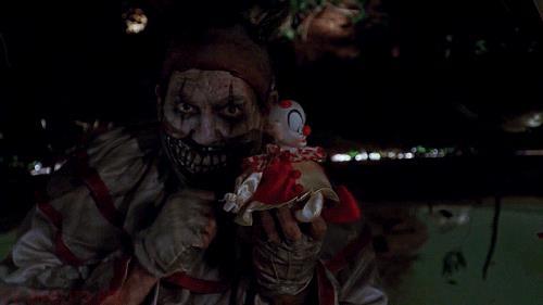 John Carroll Lynch è Twisty il Clown in American Horror Story - Freak Show