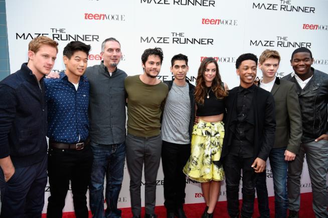 Il cast di Maze Runner nel 2014 insieme all'autore James Dashner