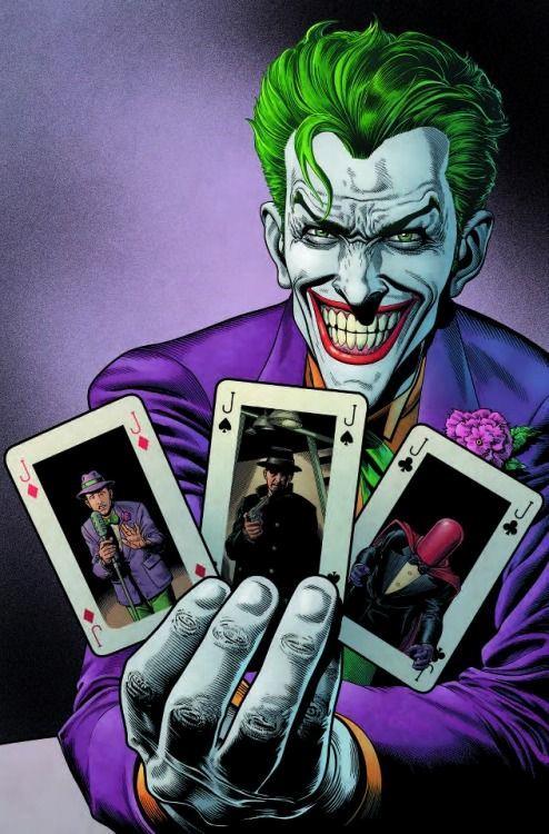 Mezzobusto del Joker con tre carte in mano, disegnato da Brian Bolland
