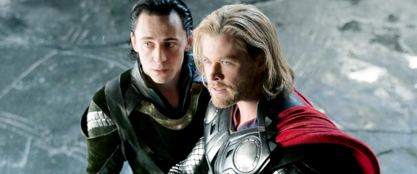 Tom Hiddleston e Liam Hemsworth nei panni di Loki e Thor