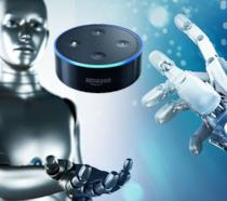 Il dispositivo Alexa di Amazon sospeso fra due mani robotiche