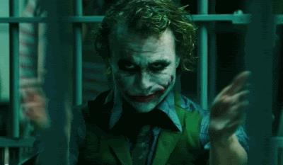 Heath Ledger in una scena de Il cavaliere Oscuro di Christopher Nolan