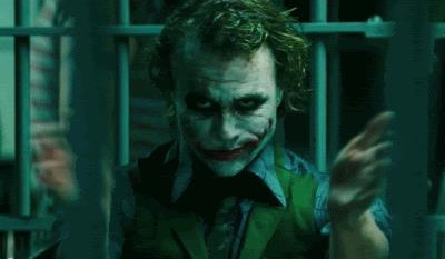 Heath Ledger in una scena de Il cavaliere Oscuro di Christopher Nolan